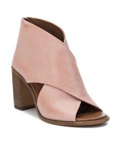 Kožené sandály na vysokém podpatku