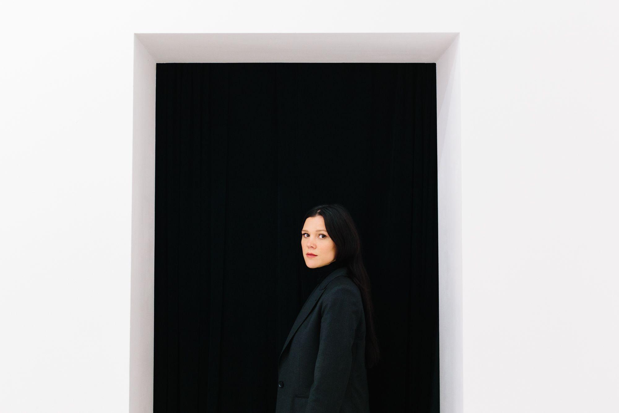 1c3f66e316 Vyšívané obrazy české umělkyně okouzlily Vídeň